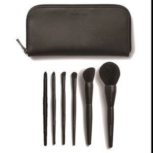 Mary Kay Makeup Brushes with Bag